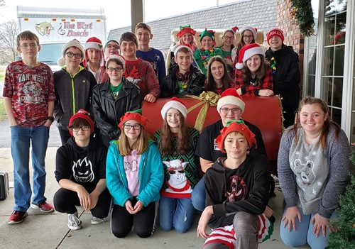 8th grade band during their Christmas tour